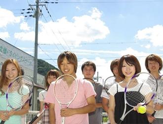 校内テニスコート
