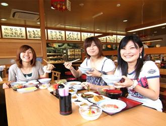 学校直営の三川食堂